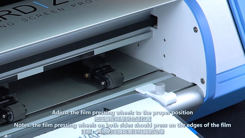 Use Screen Protector Plotter To Cut 12.9 Inches Films - 3